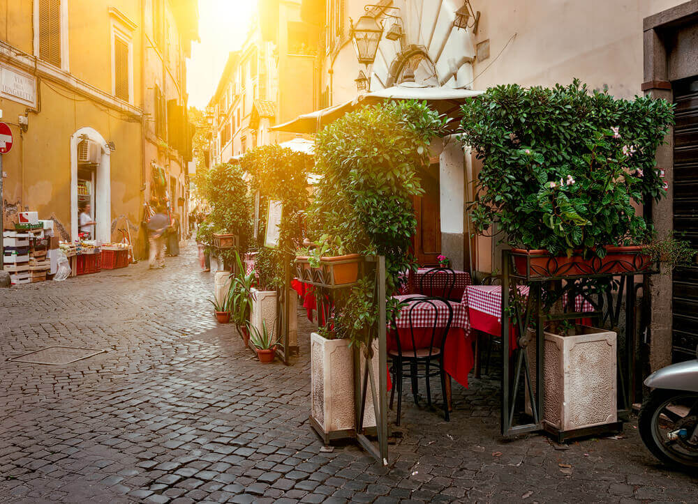 A typical trattoria in the small streets of Rome