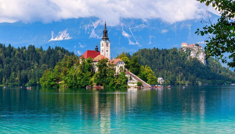 The 10 Most Beautiful Lakes In Europe!
