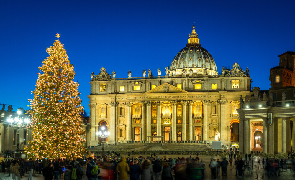planning your trip. Saint Peter Basilica in Rome at Christmas.