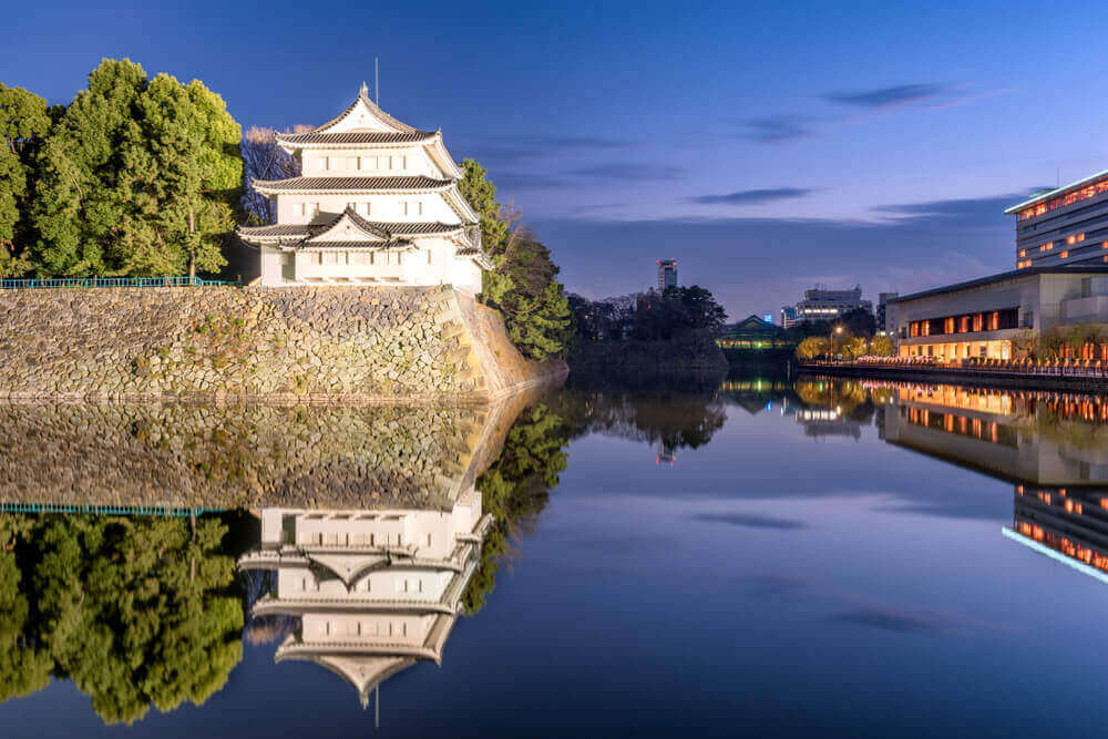 Nagoya Castle, Japan at night. touring plans.